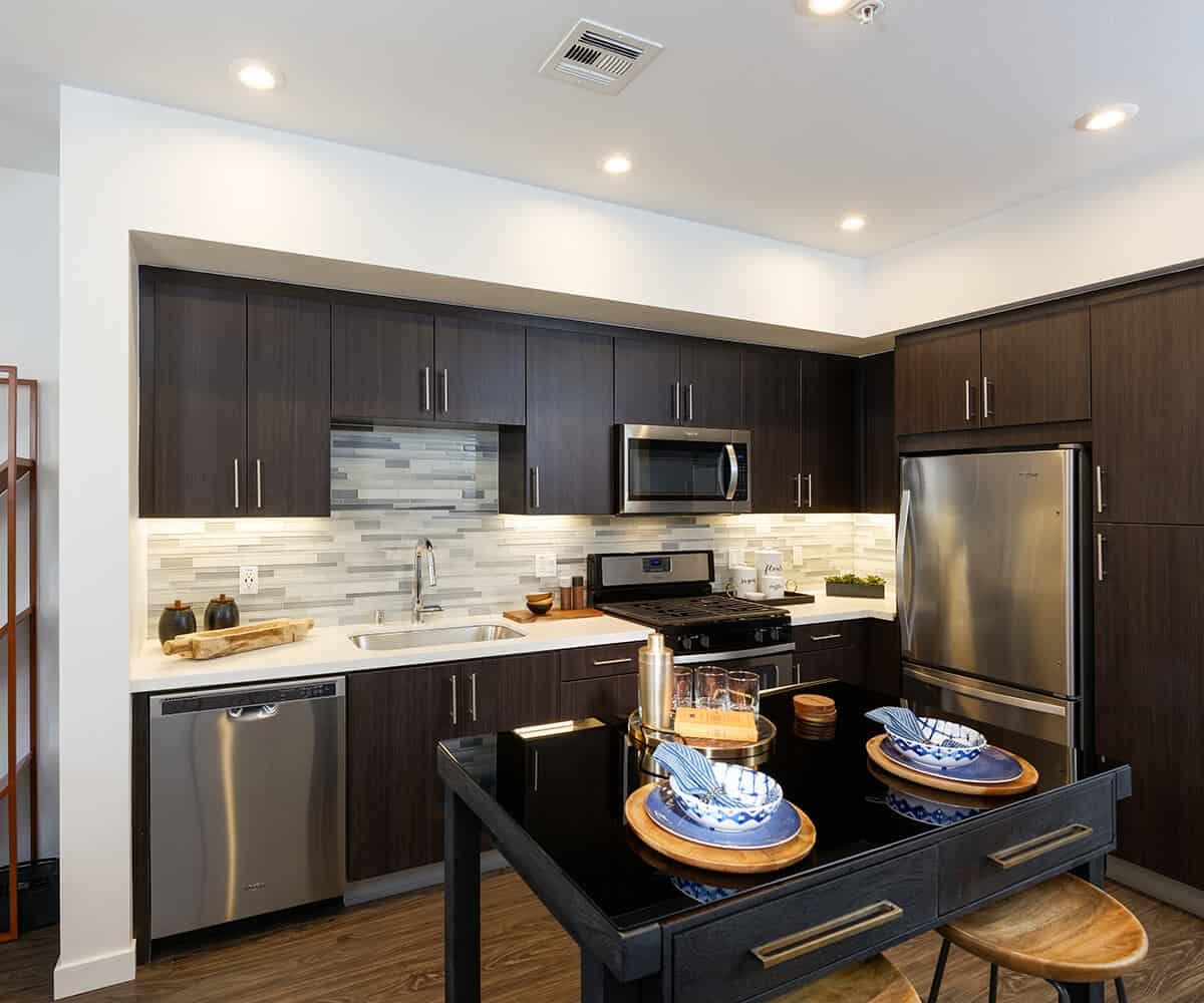 Monrovia Moda Apartments, Kitchen