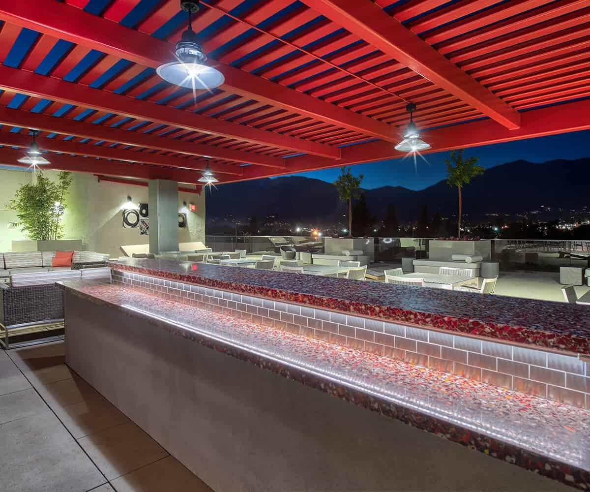 MODA Monrovia Apartments Rooftop Lounge