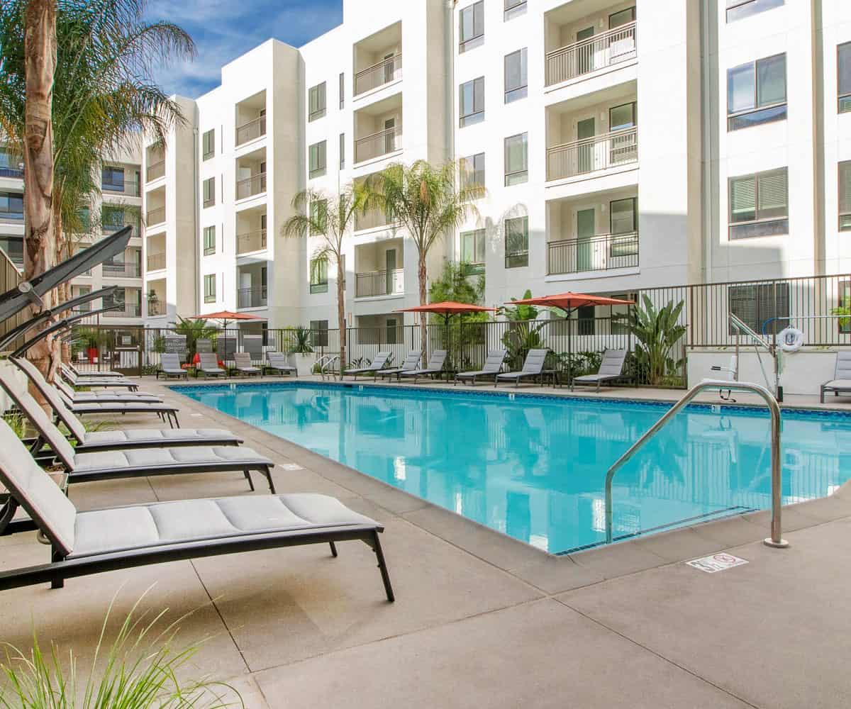 MODA Monrovia Luxury Apartments Pool